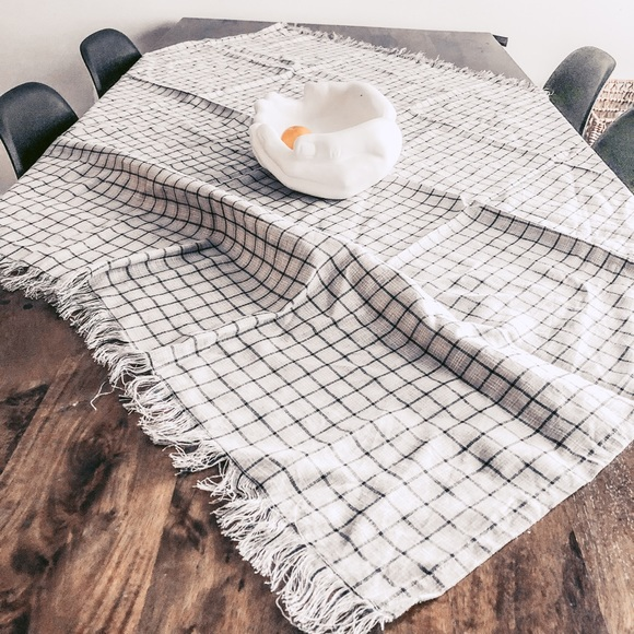 Flax N Linen Other - Linen tablecloth table scarf checked